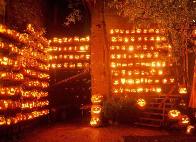 jack-o-lantern-wall